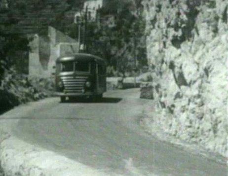 Autobus Stroncone-Terni fuoristrada: numerosi feriti