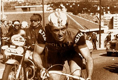 """""""Giro"""" 1965: a Perugia Dancelli primo in corso Vannucci"""