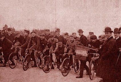 Foligno 1897: feste per i velocipedisti della Roma-Milano