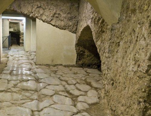 Una guida per esplorare un'isola che conserva millenni di storia perugina
