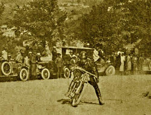 Motogiro 1926: Raggi vince a Perugia poi muore contro un muretto all'ultima tappa