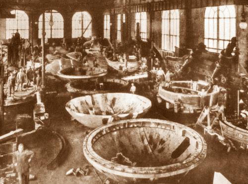 1908, alle acciaierie i 300 delegati al congresso degli italiani all'estero
